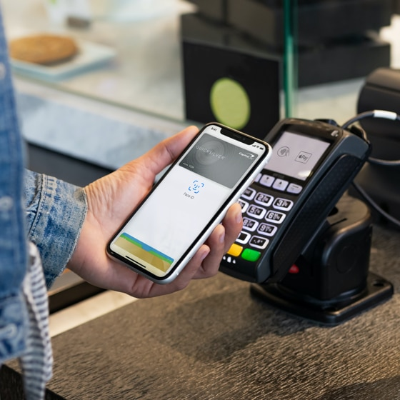 Paying with Apple Pay